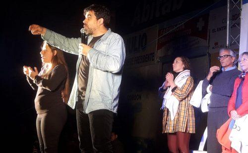 Acto de cierre de campaña de Óscar Andrade. Foto: Germán González.