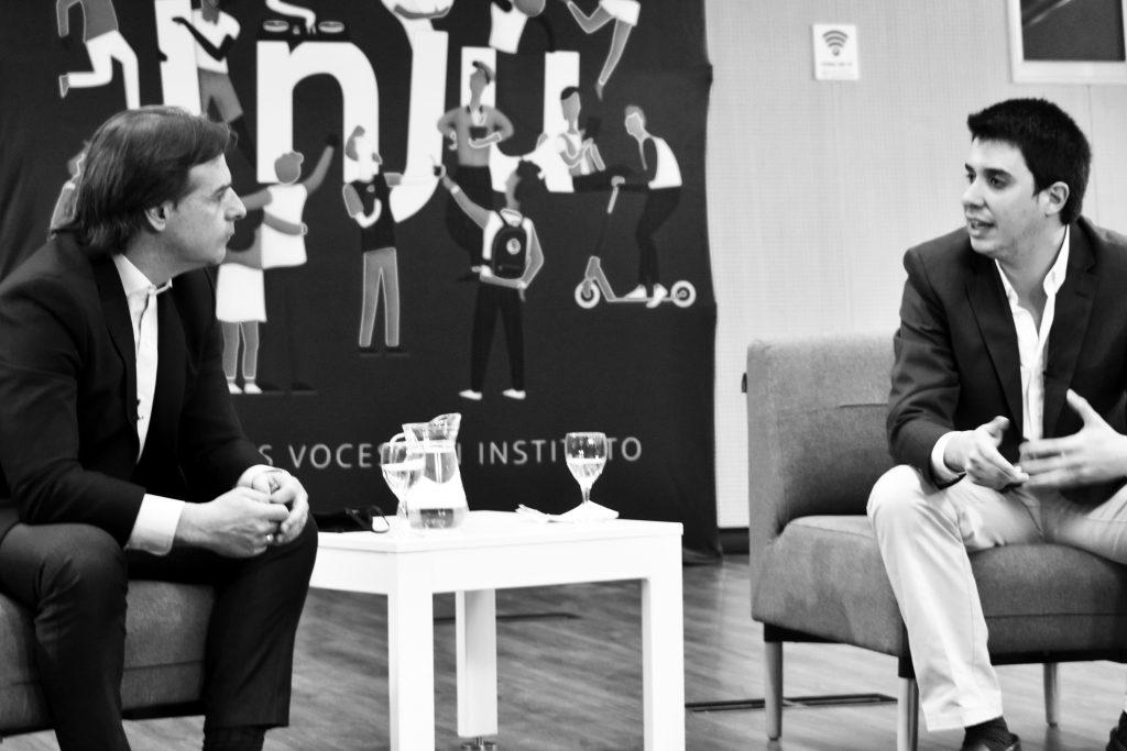 Luis Lacalle Pou y Felipe Paullier, director del Inju. Foto: Fabián Correa, 12/08/20